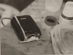 "A remodeled razor used for tattooing in Tahiti (Photo by Makiko Kuwuhara, from Kuwuhara's ""Tattoo: An Anthropology,"" 2005)"